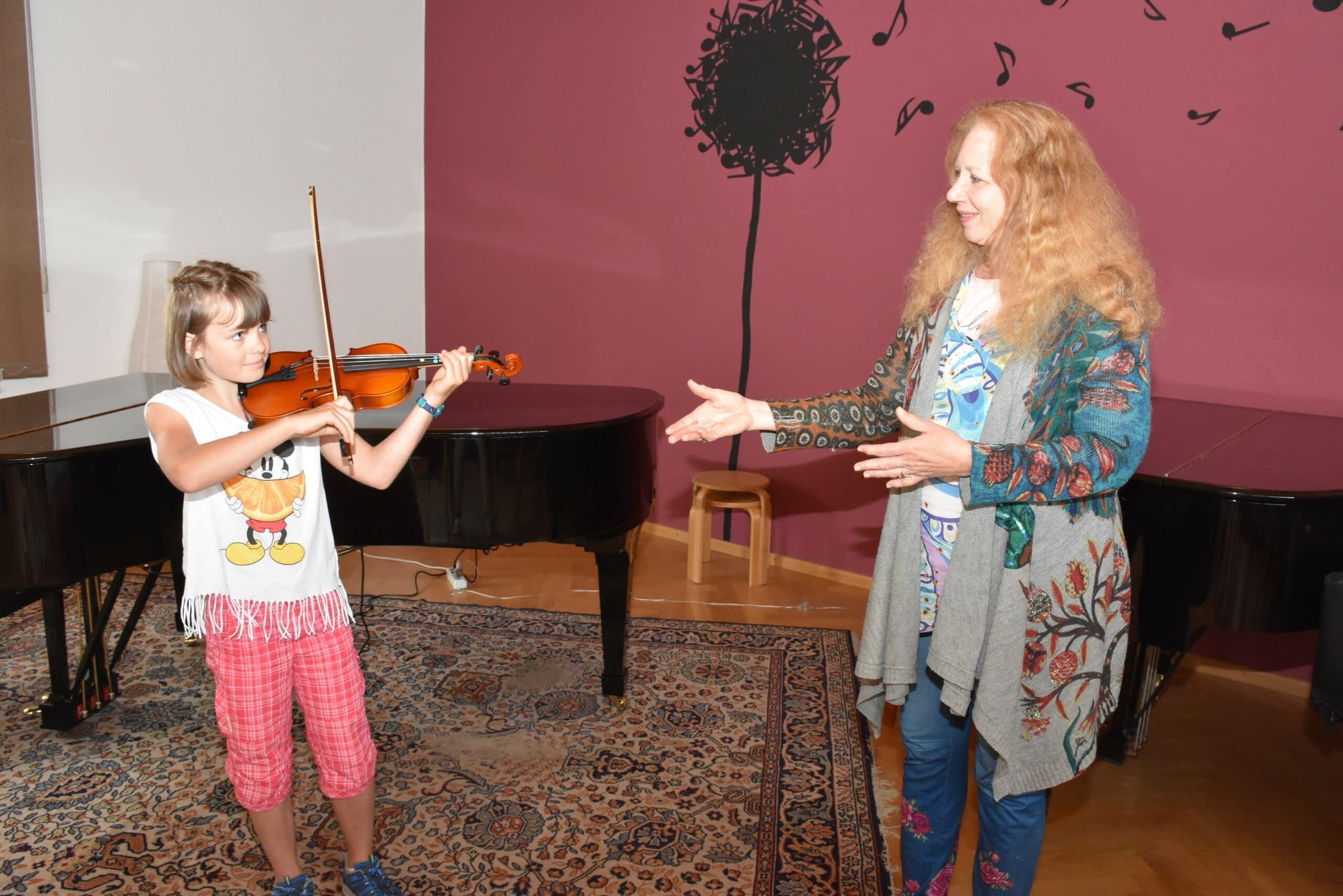 Mit dem digitalen Unterricht ist Musikschülerin Heidi Zierer (10) gut zurechtgekommen.